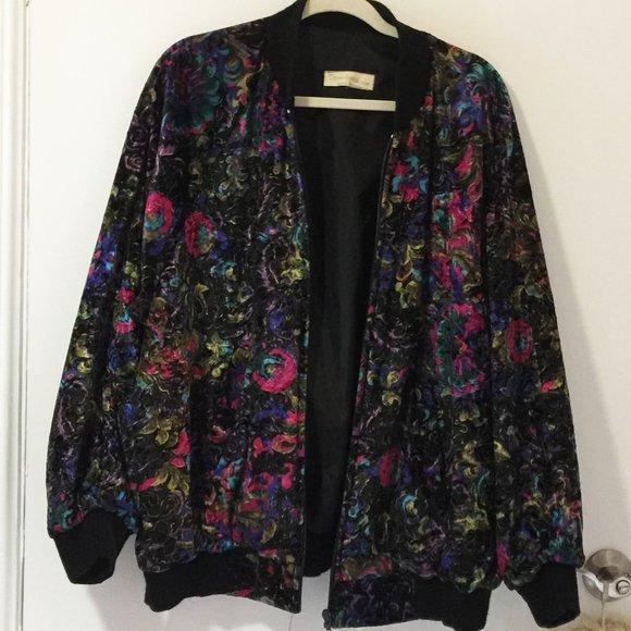 🎉HOST PICK!🎉 Vintage velvet bomber jacket